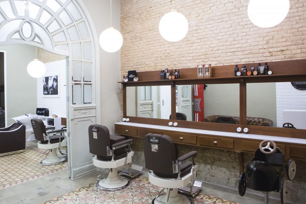 Carlos Conde Peluqueros, barbería estilo años 30 en el centro de Valencia
